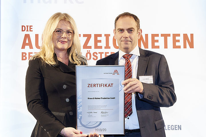 """Leitbetriebe Austria"" certificate handover, Mag. Monica Rintersbacher, CEO of  ""Leitbetriebe Austria"" and Mag. Harald Zeller, CFO of Kraus & Naimer-Group"